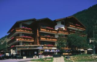 Frontansicht Hotel